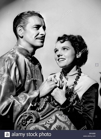 RONALD COLMAN & JANE WYATT Film 'LOST HORIZON' (1937) Directed By FRANK CAPRA 02 March 1937 CTS64167 Allstar/Cinetext/COLUMBIA **WARNING** This photograph can only be reproduced by publications in conjunction with the promotion of the above film. For Editorial Use Only