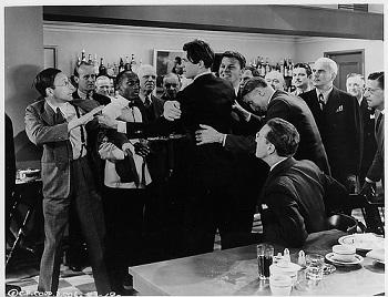 """<img src=""""Mr.Smith.jpg"""" alt=""""El Senador Smith pierde los nervios con la prensa en el bar"""">"""