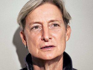 """<img src=""""Butler"""" alt=""""Judith Butler, filósofa post-estructuralista que ha realizado importantes aportes en el campo del feminismo, la Teoría Queer, la filosofía política y la ética"""" />"""
