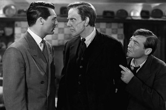 "<img src=""Arsenic and Old Lace"" alt=""Arsenic and Old Lace: Mortimer con el asesino en serie Jonathan"">"