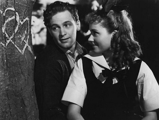 "<img src=""Our Town"" alt=""William Holden y Martha Scott in Our Town"">"
