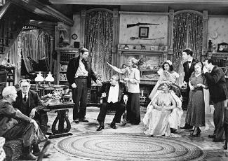 Kirby (James Stewart) presenta su novia a sus padres de improviso