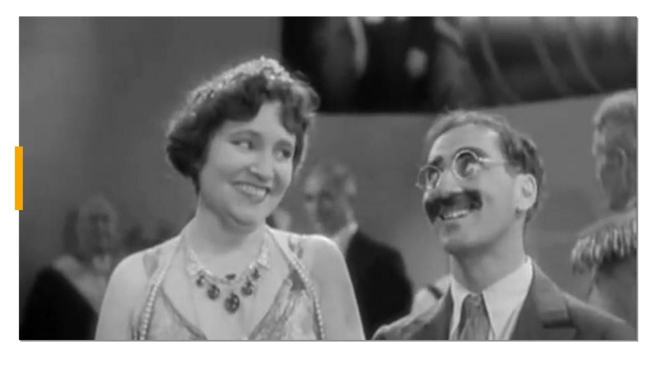 Foto blanco y negro de una pareja Descripción generada automáticamente