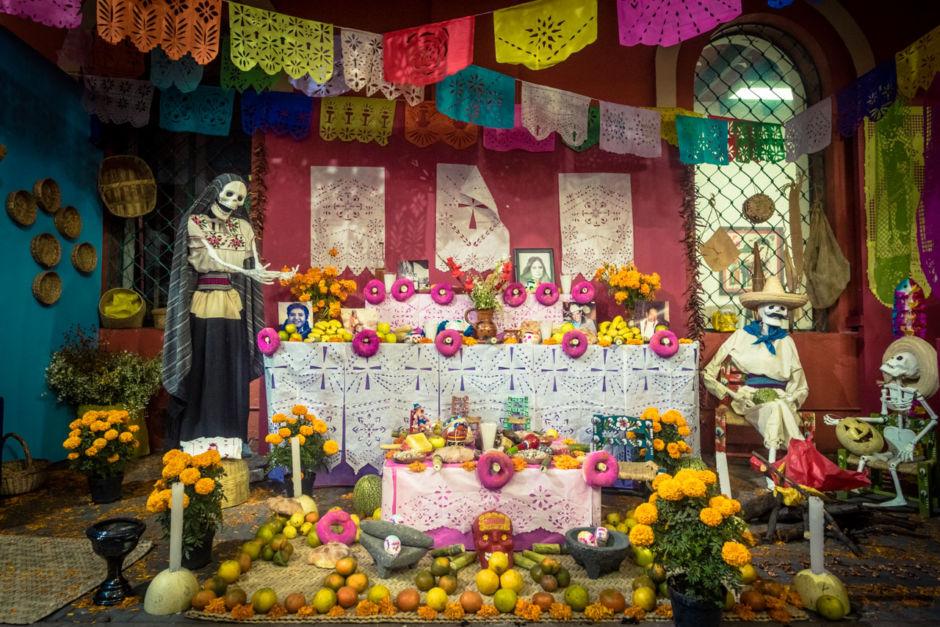 Altar de Día de Muertos en México.